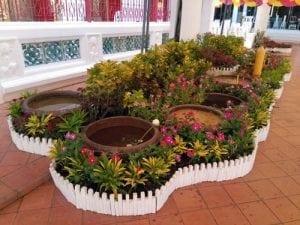 ดอกไม้ วัดทองนพคุณโดยร้านพวงหรีด Reedthai