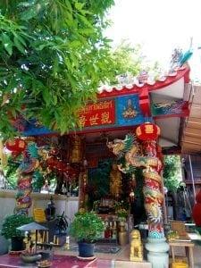ศาลจีนภายในวัดสุวรรณ โดยร้านพวงหรีด Reedthai