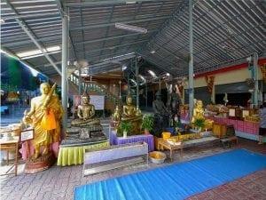 รูปภาพภายในวัดยายร่ม โดยร้านพวงหรีด Reedthai