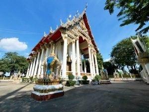 โบสถ์วัดพระไกรสีห์ โดยร้านพวงหรีด Reedthai