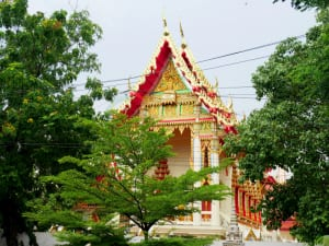ด้านหน้าโบสถ์ วัดสาครสุ่นประชาสรรค์ โดยร้าน Reedthai