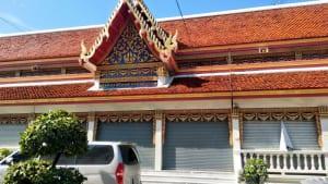 หน้าศาลา วัดอมรินทรารามวรวิหาร โดยร้าน Reedthai